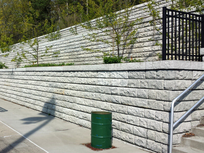Large block gravity retaining wall rustic 1