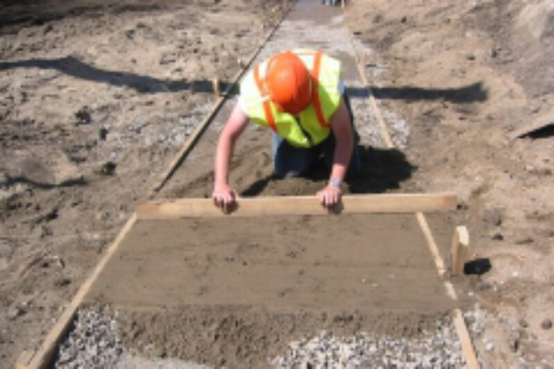 01 retaining wall leveling pad